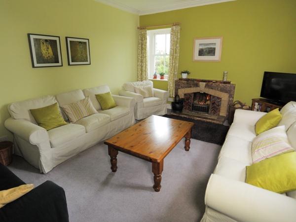 07-living-room